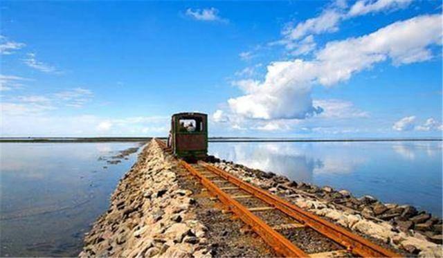 岛上列车1