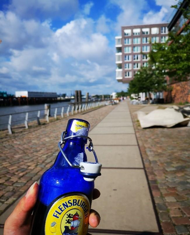 汉堡易北河边散步